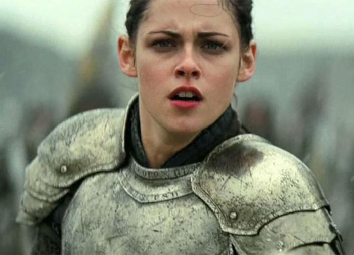 Kristen-Stewart-in-Snow-White-and-the-Huntsman-2012-Movie-Image-4