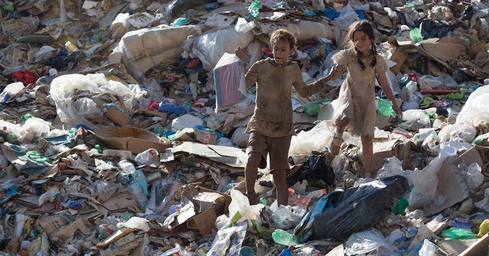 Crítica: Trash – A Esperança Vem do Lixo