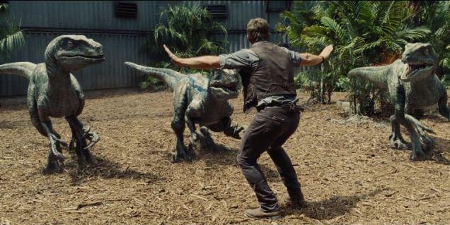 Jurassic World – Chris Pratt e velociraptors