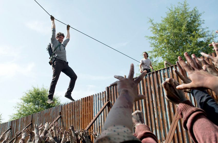 Review The Walking Dead Heads Up