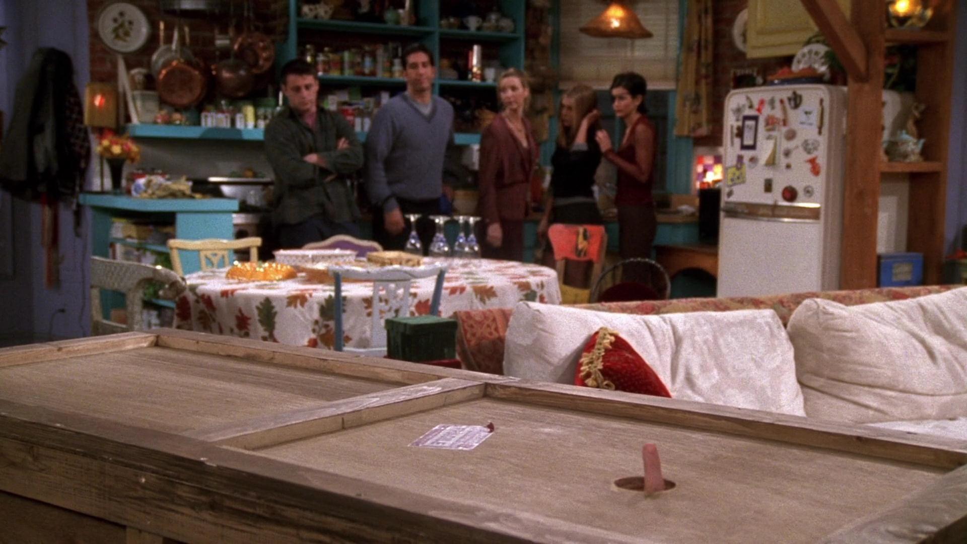 Friends – Chandler in a Box
