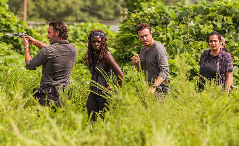 review the walking dead s07e09 rock in the road