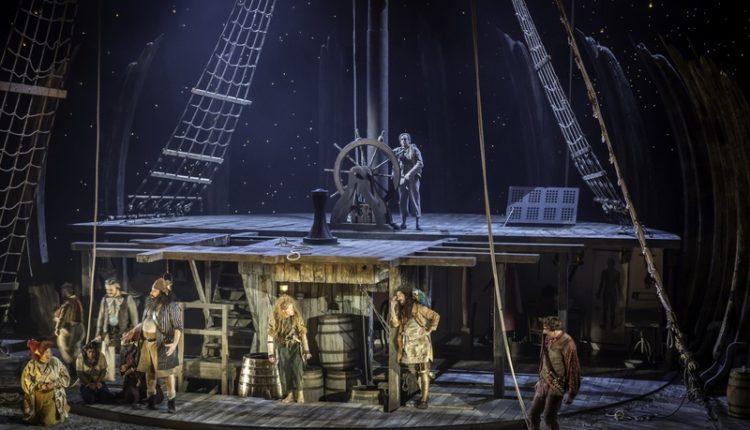 Espetáculo Treasure Island